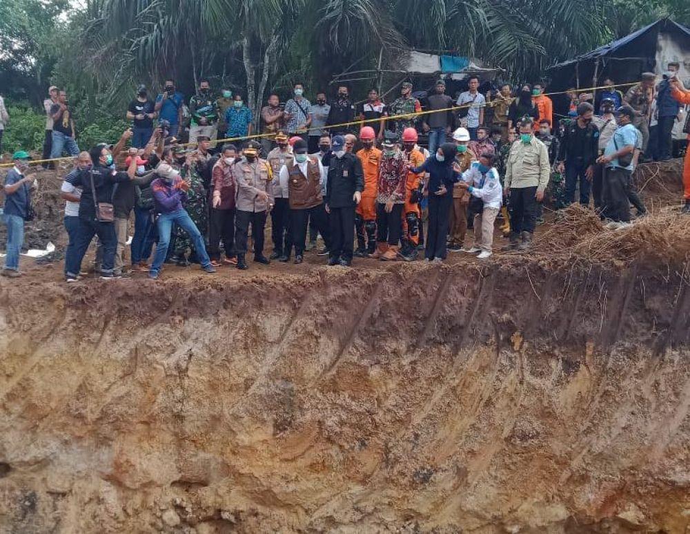 Lokasi amblasnya Tambang Batubara Rakyat (TBR) yang menelan 11 jiwa.