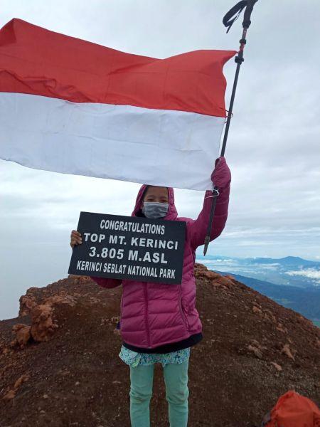 Fairuz Nova Az-Zahra, pendaki cilik asal Cilegon, Jawa Barat. (foto : ujang/advokasi.co)
