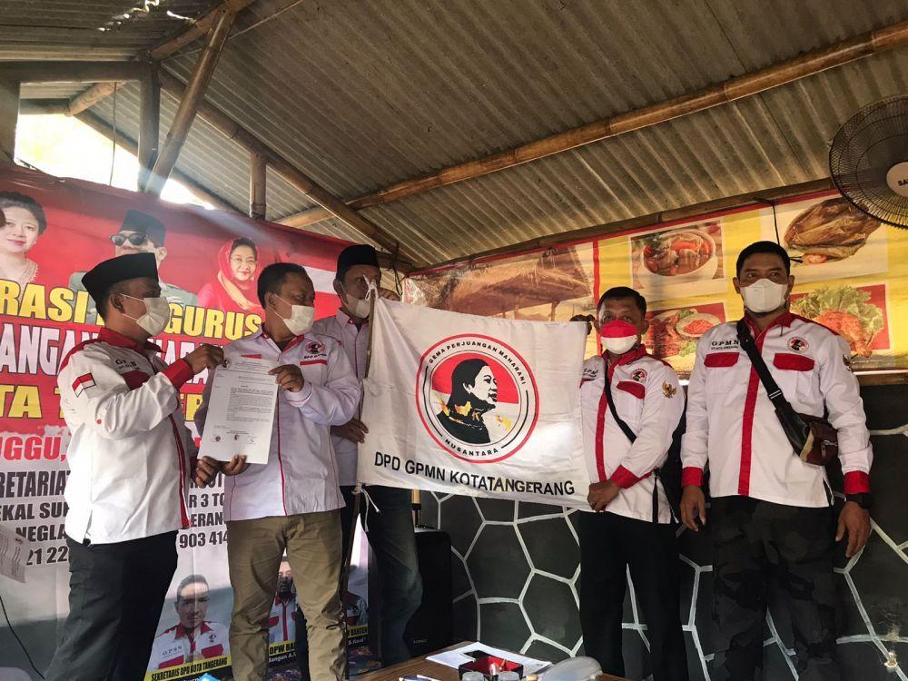 Pemberian SK kepada Ketua DPD Kota Tangerang.