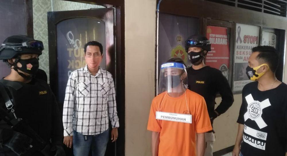 Pelaku, MN (17) yang berhasil ditangkap di jalan sekitar Pasar Modung. (Foto: Wahyu/Advokasi.co)