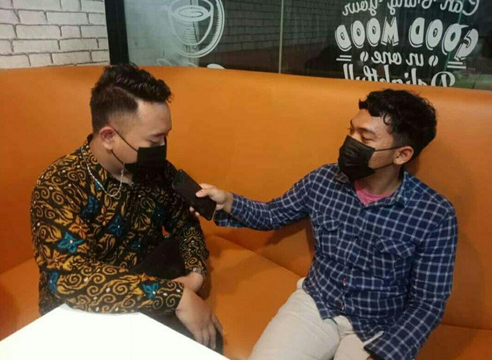 Banni (kiri) Ketua PWRI DPC Kota Tangerang.