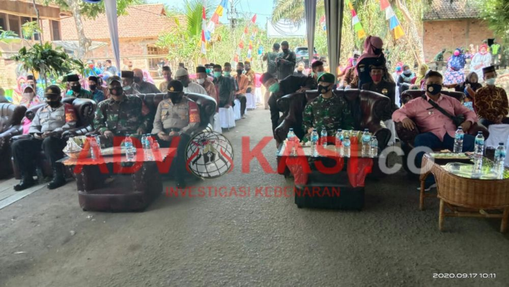 TAMU UNDANGAN : Para Tamu Undangan saat hadiri acara penyerahan kunci Bedah Rumah Zakat. (foto, iman danu/advokasi.co)